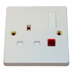 U.K. BS 1363 13 Amp 250 Volt White Panel Mount Wall Socket