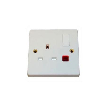 U.K. BS 1363 13 Amp 250 Volt White Panel Mount Wall Socket